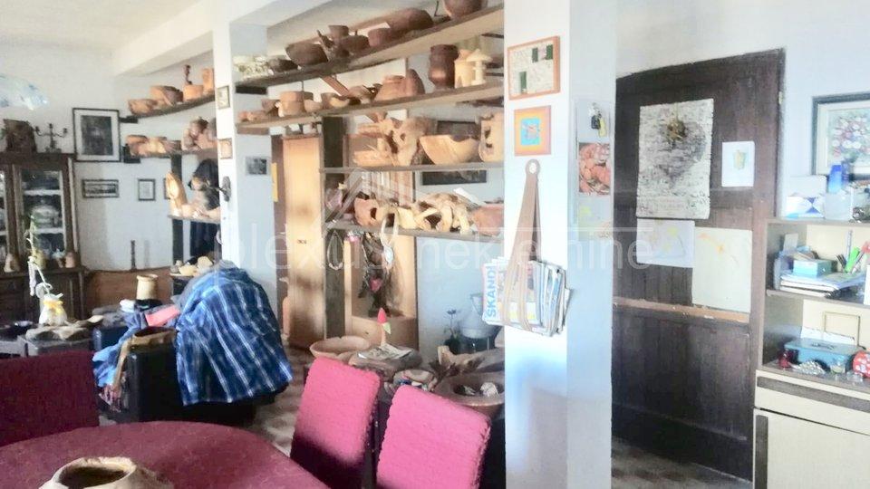 House, 140 m2, For Sale, Podstrana