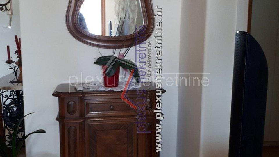 Appartamento, 130 m2, Affitto, Split - Gripe