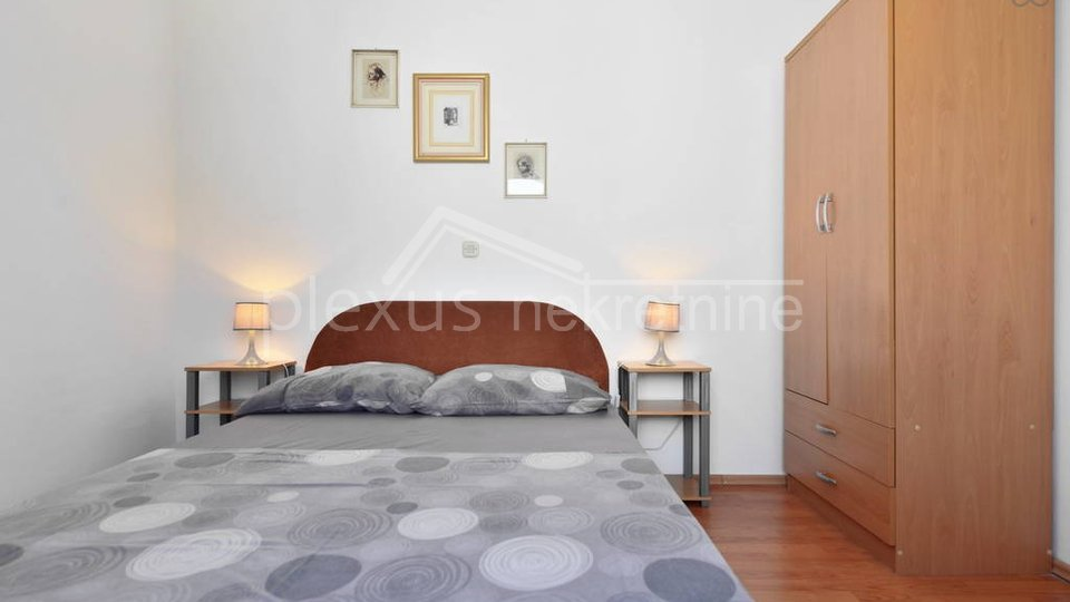 SNIŽENO! Apartmanska kuća s bazenom: Čiovo, Slatine, 190 m2