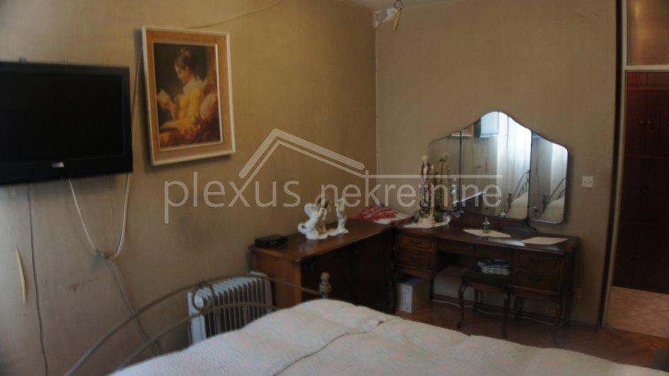 Veliki četverosoban stan: Split, Trstenik, 97 m2