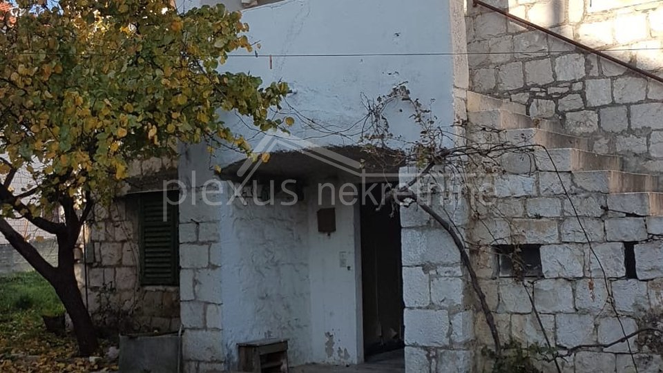 House, 180 m2, For Sale, Kaštel Sućurac