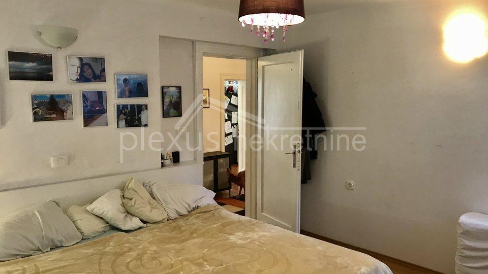 HITNO! PRILIKA! Dvosoban komforan stan: Split, Bačvice, 83 m2