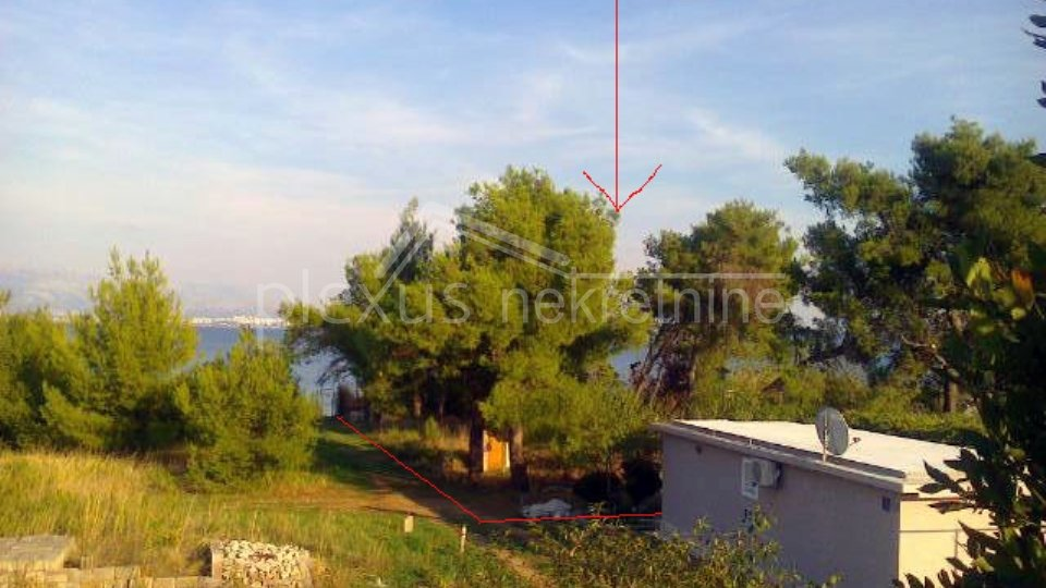 Građevinsko zemljište prvi red do mora: Kaštel Štafilić, 1217 m2