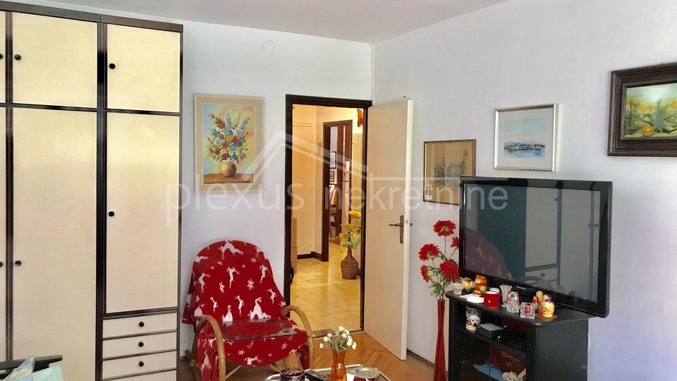 Manji dvosoban stan: Split, Bol, 53 m2