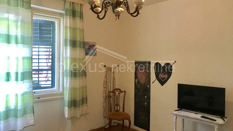 SNIŽENO! Dvosoban komforan stan: Split, Bačvice 75 m2