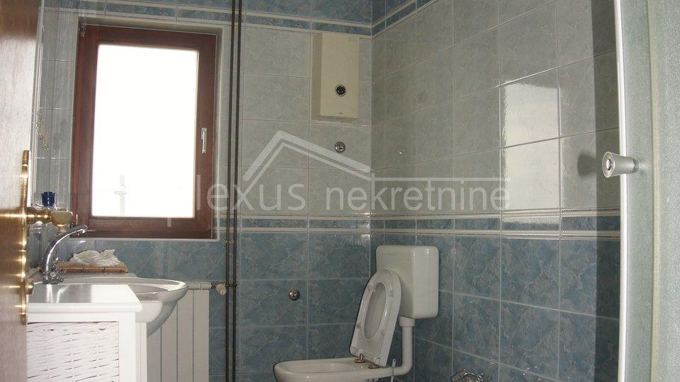 Haus, 725 m2, Verkauf, Žrnovnica
