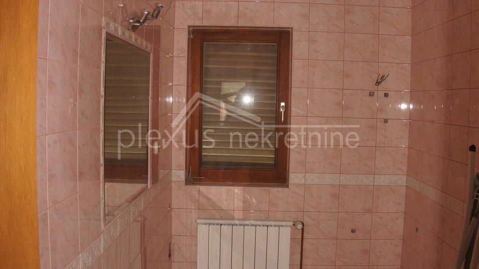 Casa, 725 m2, Vendita, Žrnovnica