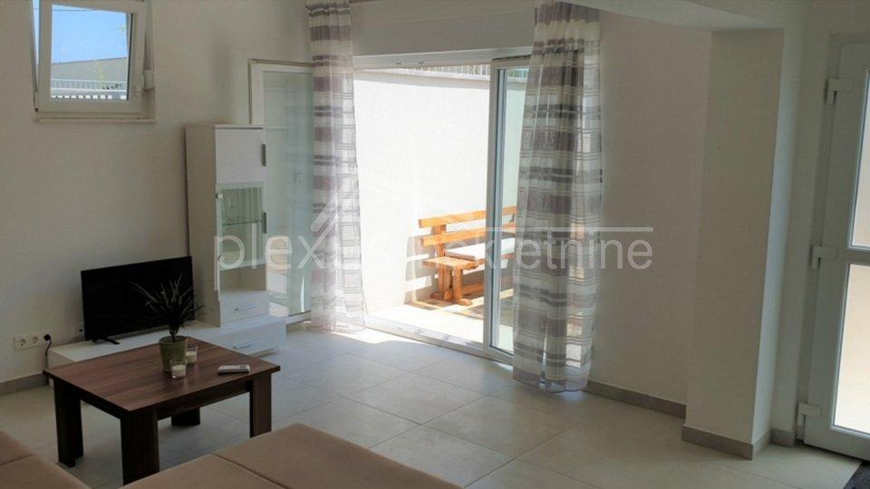Stan-apartman: Kaštel Štafilić, atraktivan stambeno-turistički projekt 90 m2