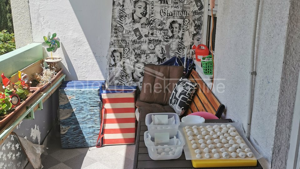 Dvosoban komforan stan: Split, Pujanke, 67 m2
