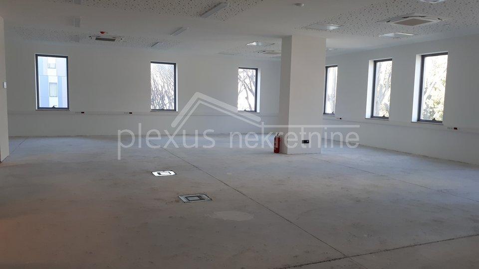 Dugoročan najam poslovnog prostora u novogradnji: Split, Trstenik