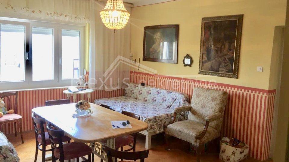 Dvosoban stan u centru, Split, Lovret, 61 m2