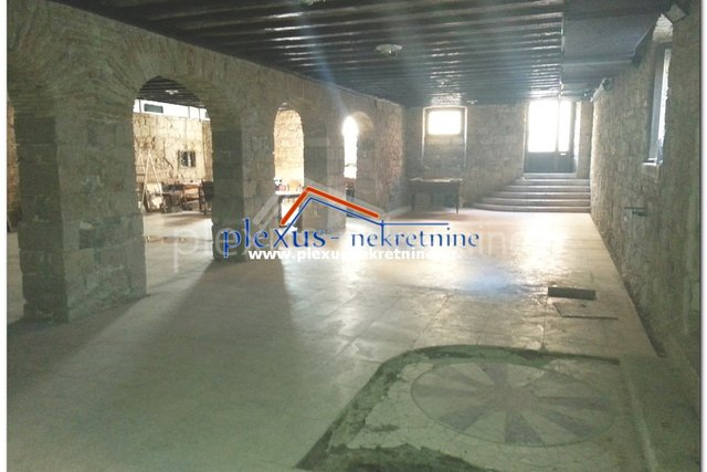 Commercial Property, 209 m2, For Sale, Split - Grad