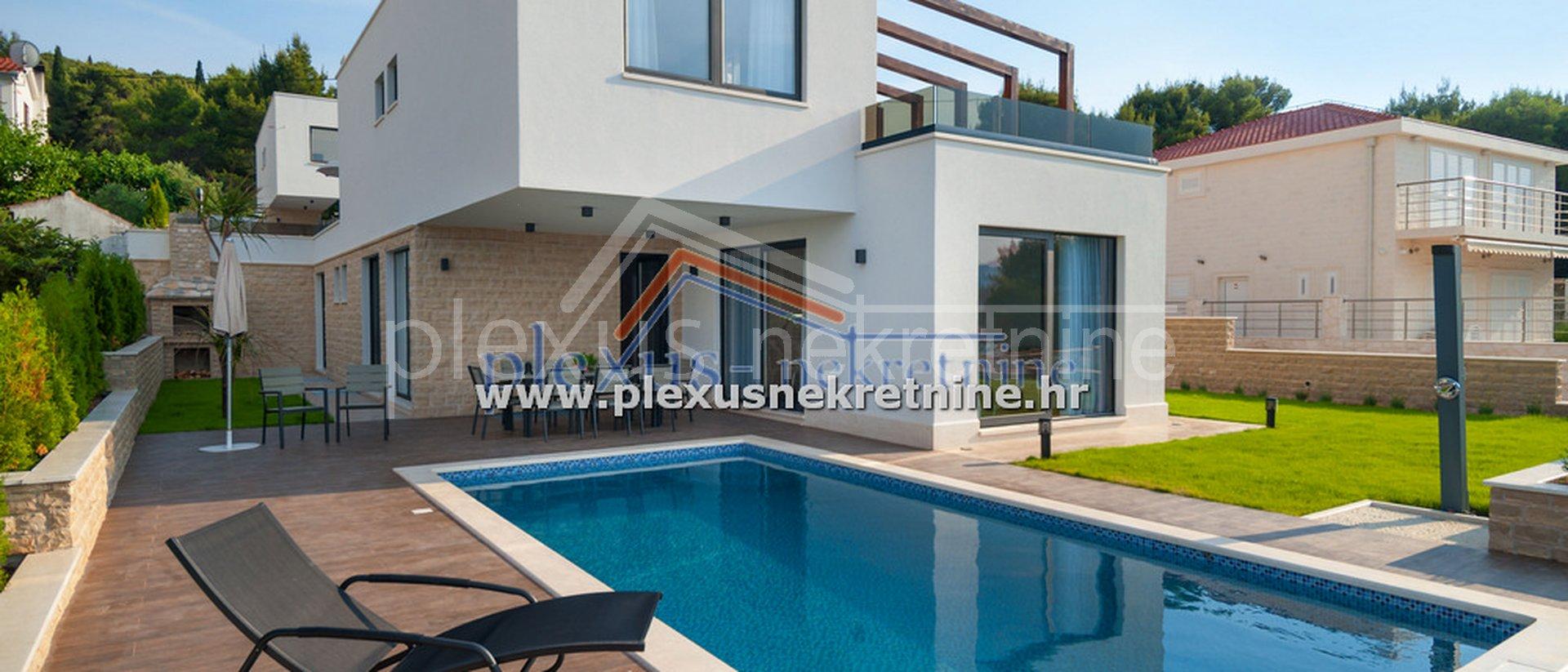 Haus, 600 m2, Verkauf, Okrug - Okrug Gornji