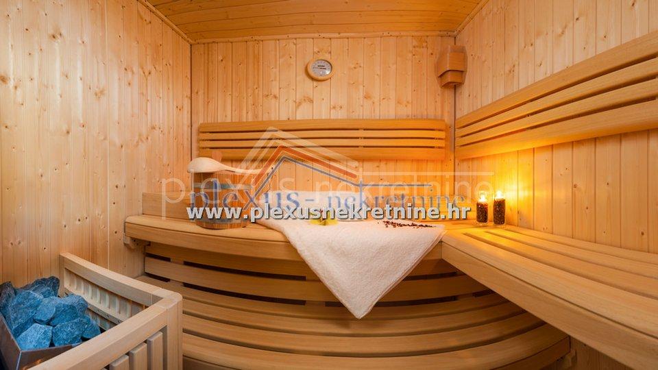 SNIŽENO! Kuća - luksuzna vila: Trogir - okolica, Okrug Gornji, katnica, 600 m2