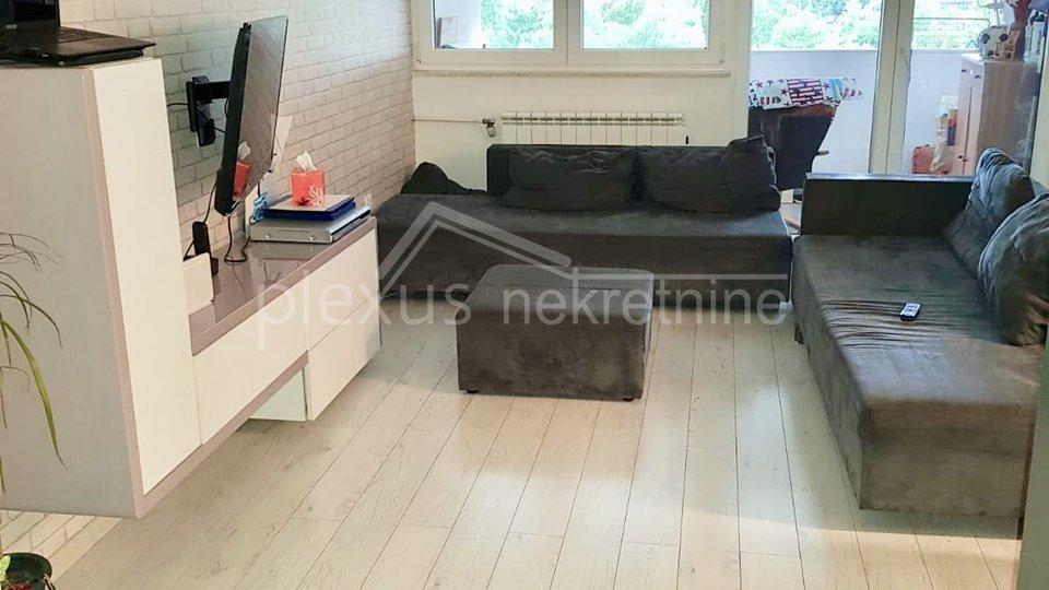 Trosoban stan: Split, Split 3, 80 m2