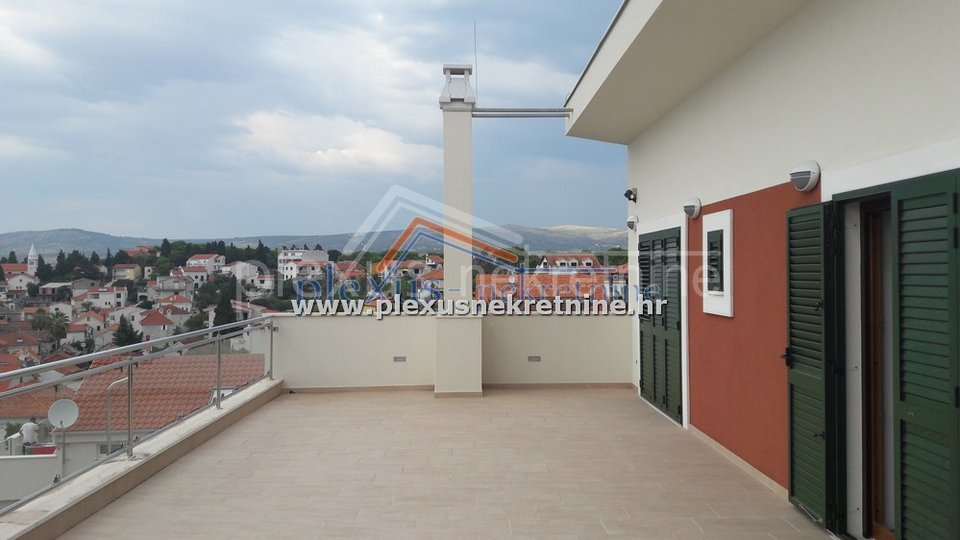 House, 417 m2, For Sale, Rogoznica