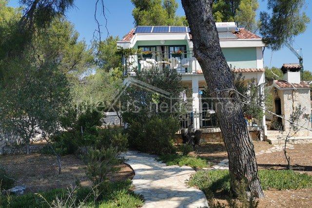 Haus, 140 m2, Verkauf, Okrug - Okrug Gornji