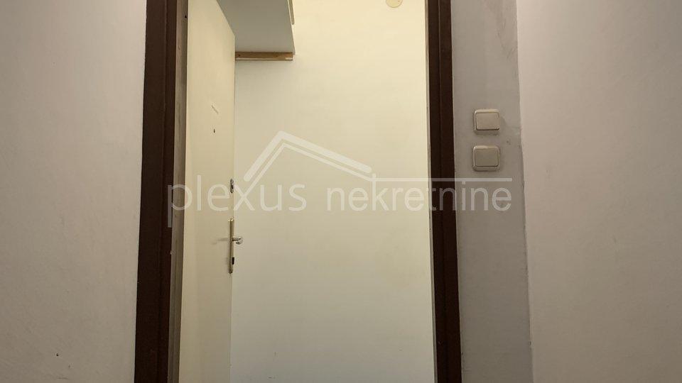 Dvosoban stan: Split, Spinut, 60 m2