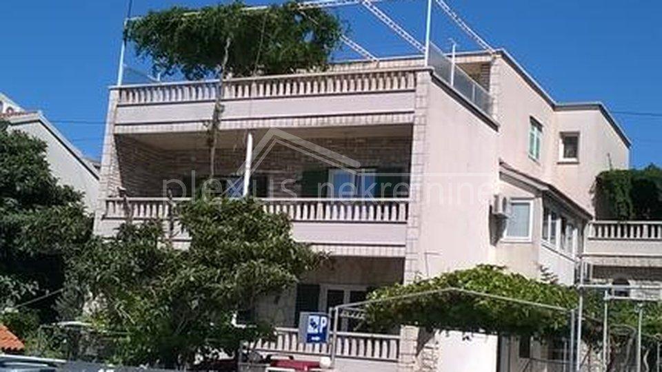 NAJAM za studentice 25. 09. 2020 - 25. 06. 2021. Studio apartman, Split, Visoka