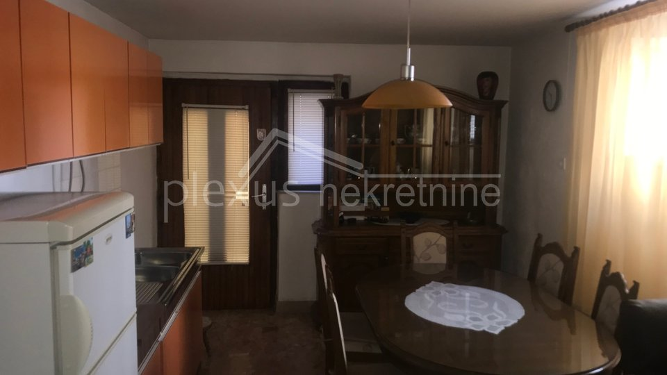 House, 300 m2, For Sale, Kaštel Novi