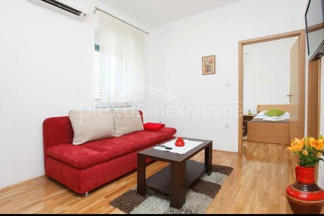 Dvosoban stan za NAJAM do 15.06. u centru: Split, Varoš, 50 m2