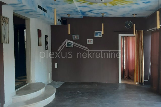 Commercial Property, 90 m2, For Rent, Split - Bol