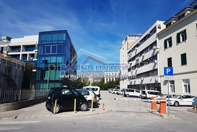 Commercial Property, 70 m2, For Rent, Split - Dobri