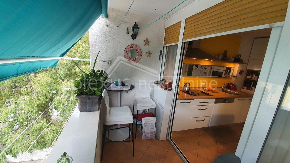 Trosoban stan: Split, Skalice, 62 m2
