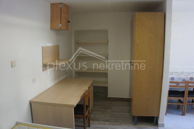 Stanovanje, 25 m2, Najem, Split - Visoka