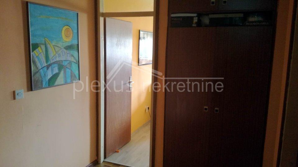 Trosoban stan: Smrdečac, Split 3, 83 m2