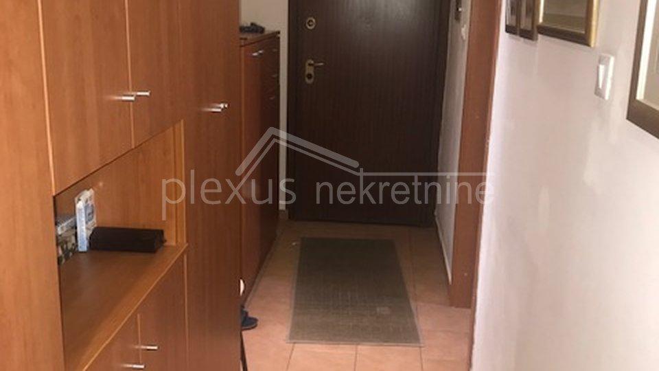 Trosoban stan u centru: Split, Manuš, 83 m2