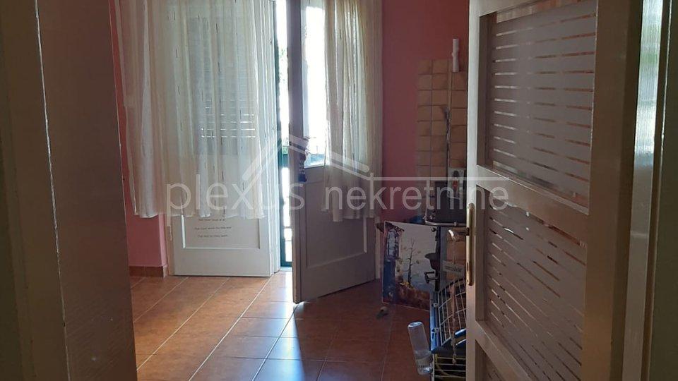 Dvosoban stan u centru: Split, Dobri, 90 m2