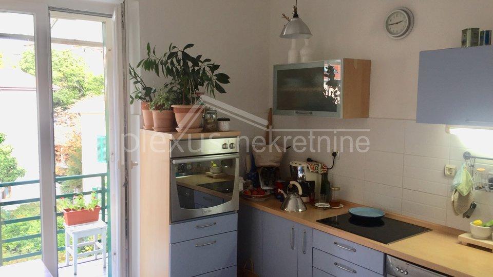 Dvosoban stan u centru: Split, Manuš, 96 m2