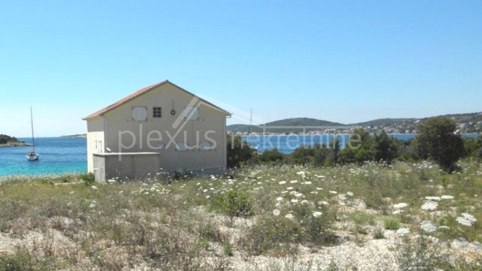 Obiteljska samostojeća kuća: Marina, Vinišće, 350 m2