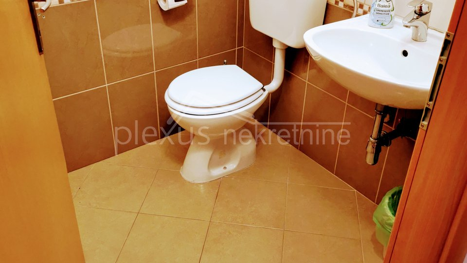Commercial Property, 55 m2, For Rent, Seget Donji