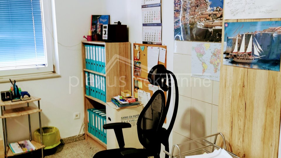 Poslovni prostor - NAJAM: Trogir - okolica, Seget Donji, 55 m2