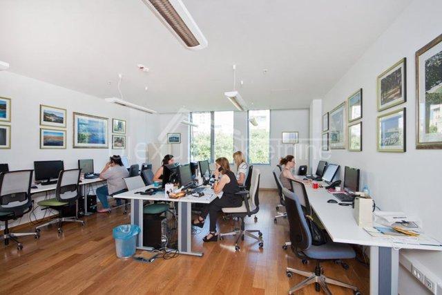Commercial Property, 100 m2, For Rent, Split - Trstenik