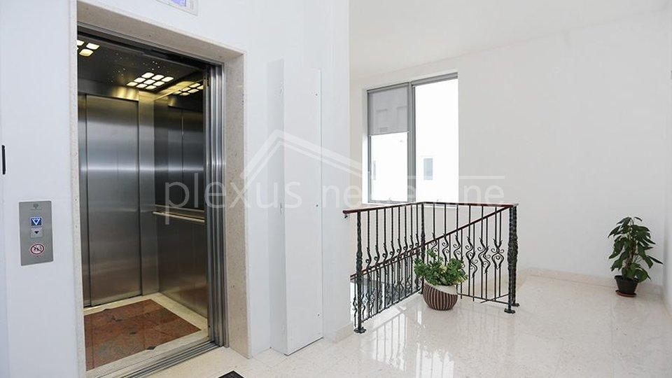 Geschäftsraum, 100 m2, Vermietung, Split - Trstenik