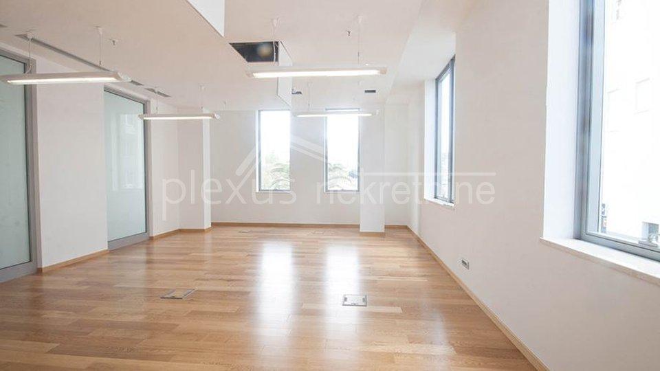 NAJAM / ZAKUP - poslovni prostor: Split, Trstenik 64 m2