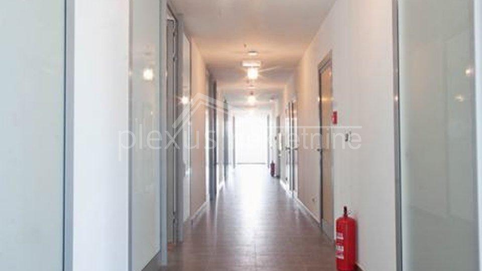 Geschäftsraum, 89 m2, Vermietung, Split - Trstenik