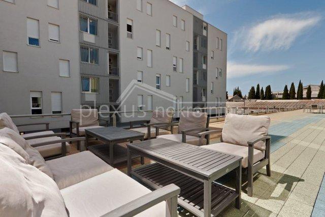 Commercial Property, 89 m2, For Rent, Split - Trstenik