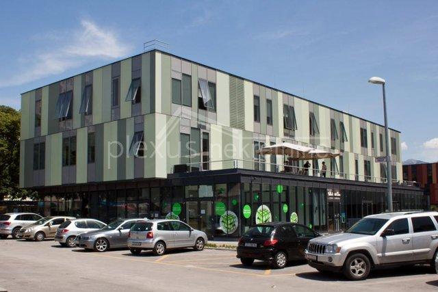Commercial Property, 87 m2, For Rent, Split - Trstenik