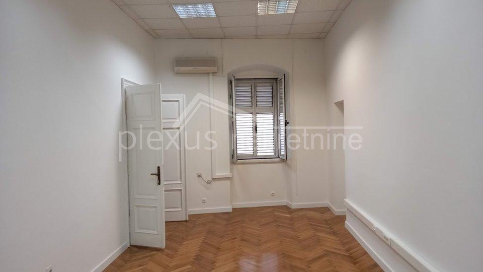 Uffici, 233 m2, Affitto, Split - Grad