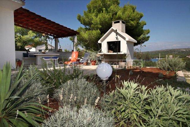 Kuća za odmor: Brač, Milna, uvala Makarac, 86 m2