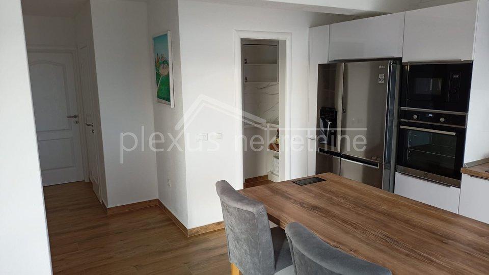 Haus, 380 m2, Verkauf, Kaštel Sućurac