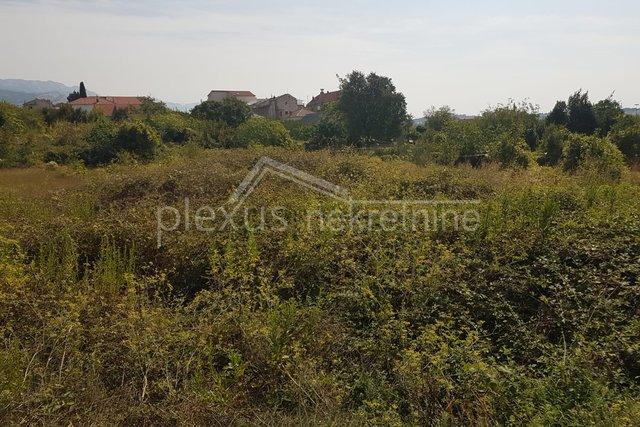 Građevinsko zemljište: Solin, 1000 m2