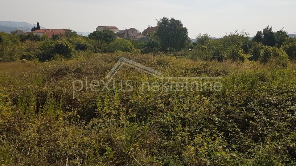 Land, 1057 m2, For Sale, Solin - Sveti Kajo