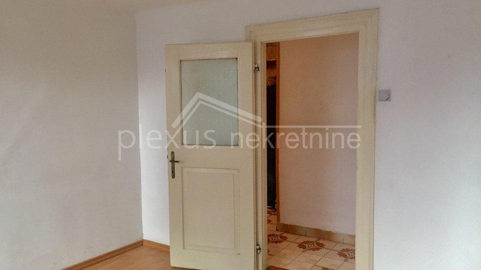 Trosoban stan: Split, Varoš, 77 m2