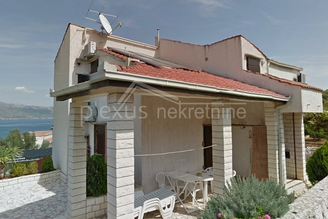 Villa s dva apartmana: Čiovo, Slatine 400 m2