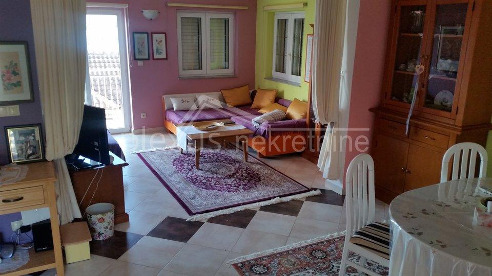Samostojeća obiteljska kuća: Čiovo, Mastrinka, 122 m2